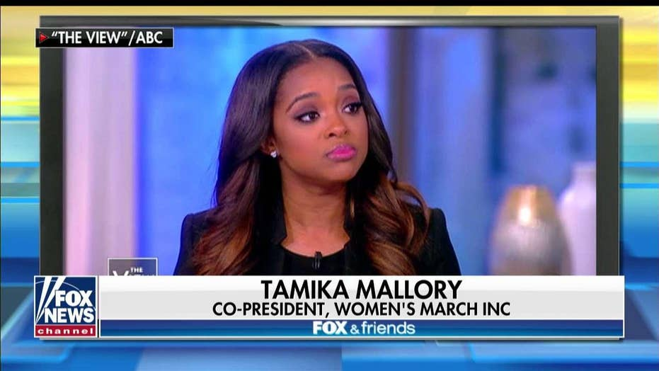 'Ridiculously Insulting': Women's March Founder Under Fire for Ties to Farrakhan