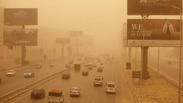 Cairo, Egypt turns bizarre orange color after huge sandstorm