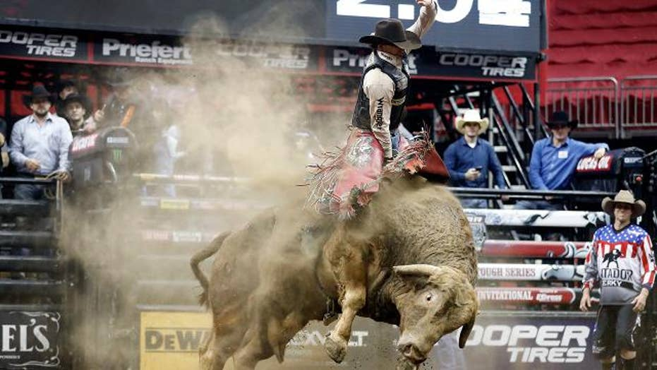 Professional bull rider Mason Lowe dies after fall during competition