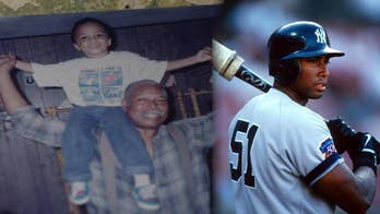 Yankees legend Bernie Williams raising awareness for lung disease in honor of late father