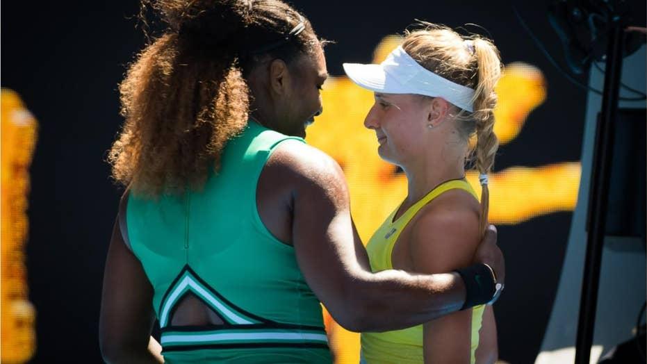 Serena Williams consoles Ukrainian teen after winning match