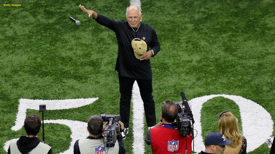 Social media criticizes Jimmy Buffet's national anthem performance at the NFC Championship
