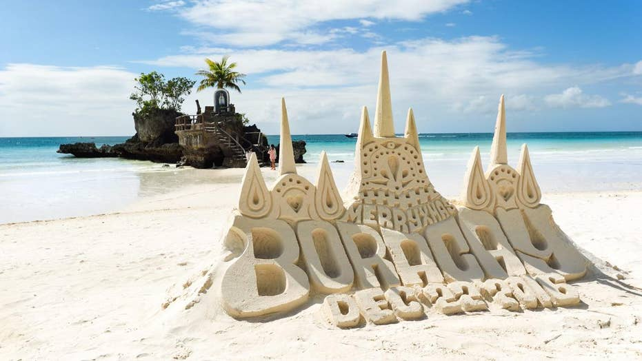 Boracay police ban sandcastles at popular tourist beaches, threaten builders with jail time