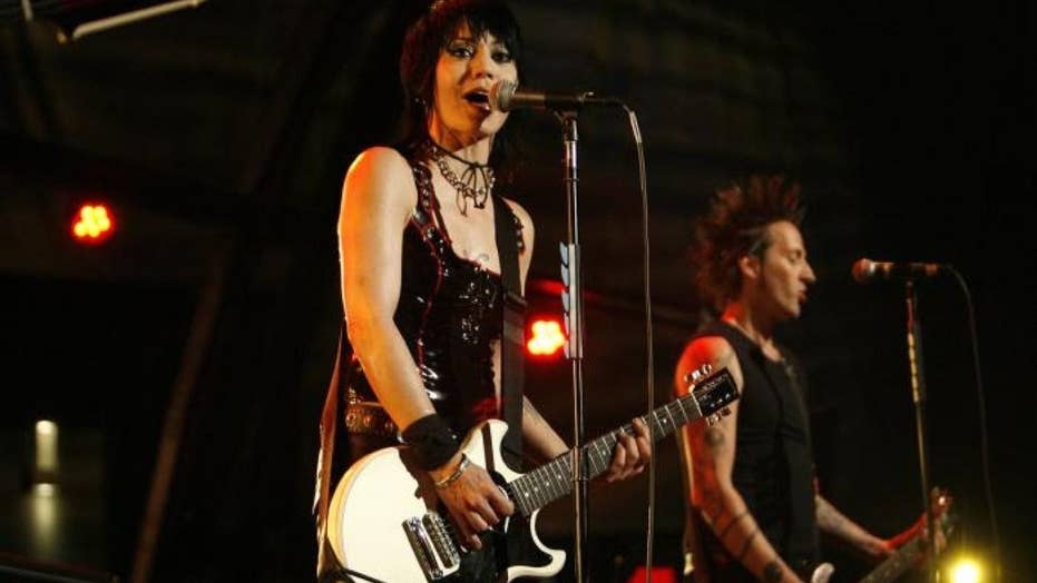 Joan Jett speaks out about rock n roll having a problem with female artists