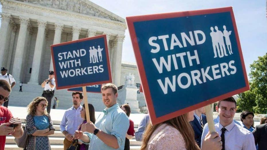 Government labor unions are seeing mass exodus of members