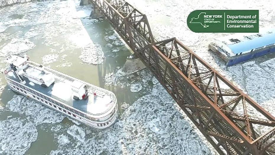 Multiple boats escape from Hudson River, crash into Amtrak bridge