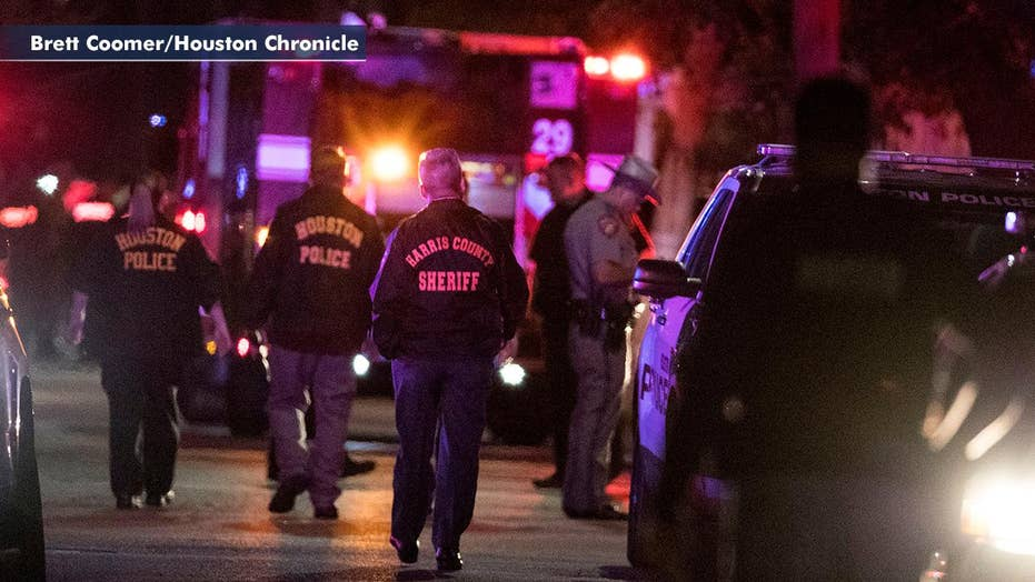 043059cf 5 police officers injured in Houston shooting, 2 suspects dead ...