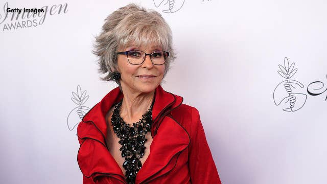 Rita Moreno gives Trump the middle finger on Jimmy Kimmel Live