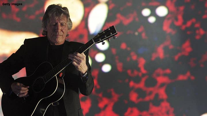 Pink Floyd's Roger Waters asks Maroon 5 to take a knee during Super Bowl Halftime Show