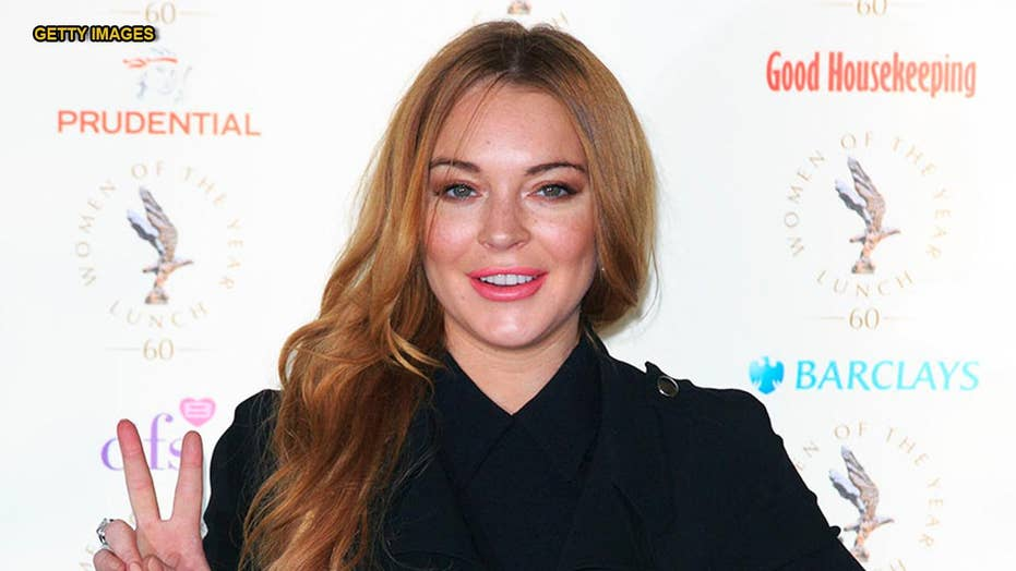 Lindsay Lohan Posts Completely Nude Snap From Throwback -1023