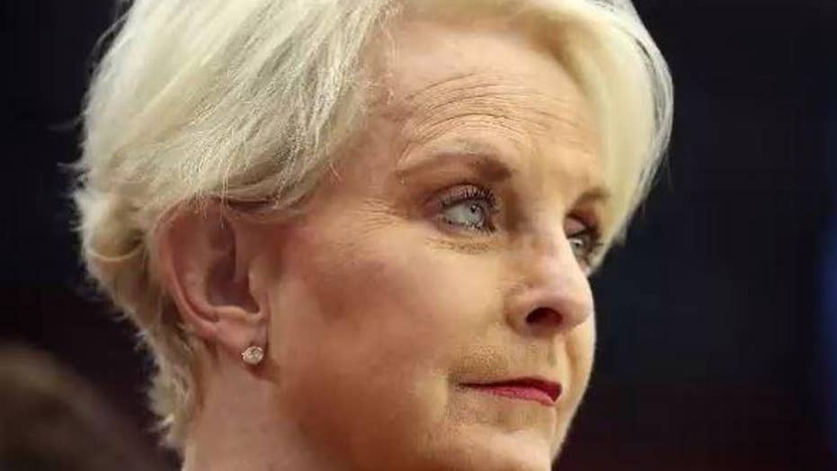 Cindy McCain apologizes after Phoenix police disputed her claim that she  stopped a human trafficking attempt