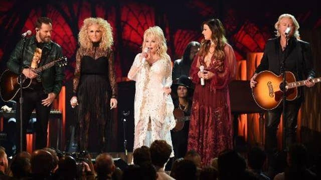 Grammys 2019: Dolly Parton honored in all star tribute featuring Miley Cyrus and Little Big Town
