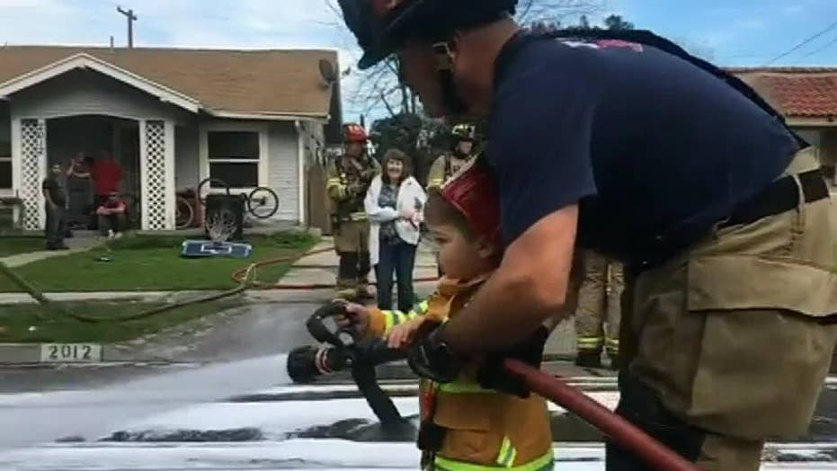 Fresno toddler helps firemen responding to a call