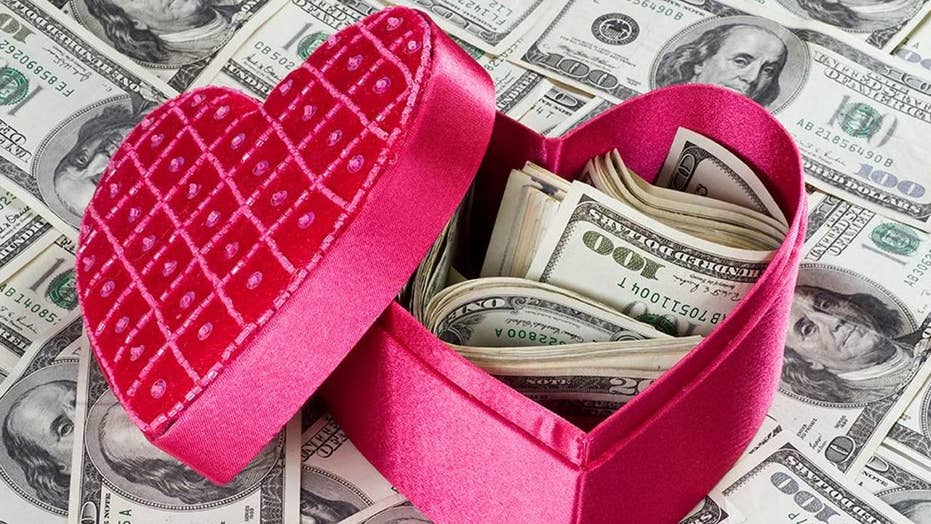 FTC warns of surge in romance-related scams