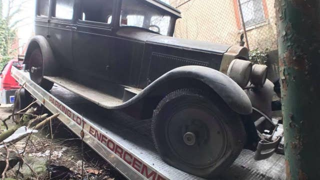 1927 Packard unearthed from Philadelphia building