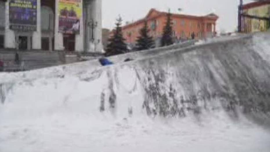 Black snow raises health concerns for residents of Prokopyevsk, Russia