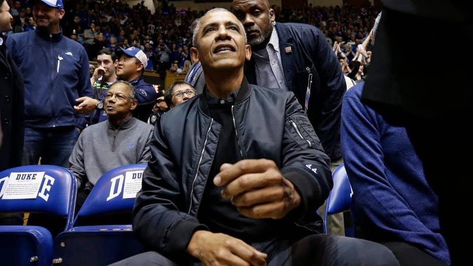 Barack Obama's '44' bomber jacket wins praise on Twitter
