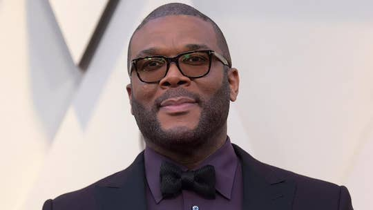 Tyler Perry cheers Atlanta Kroger shoppers by paying for their groceries during coronavirus