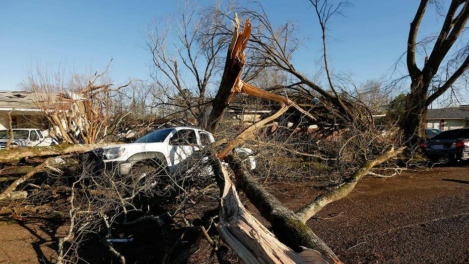 Wicked weather slams the South, Midwest