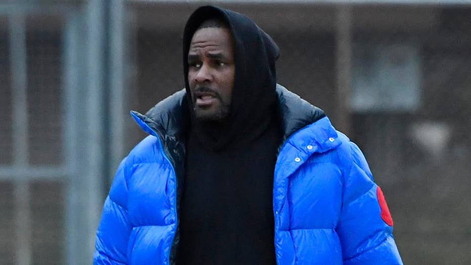 R. Kelly posts bail, is released from jail