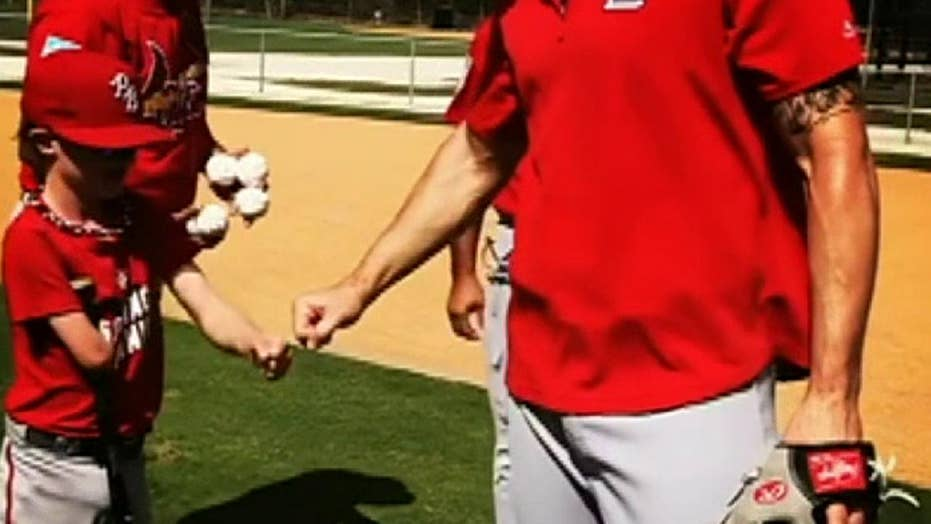 Raw video: One-armed Little League player hits home run at spring training