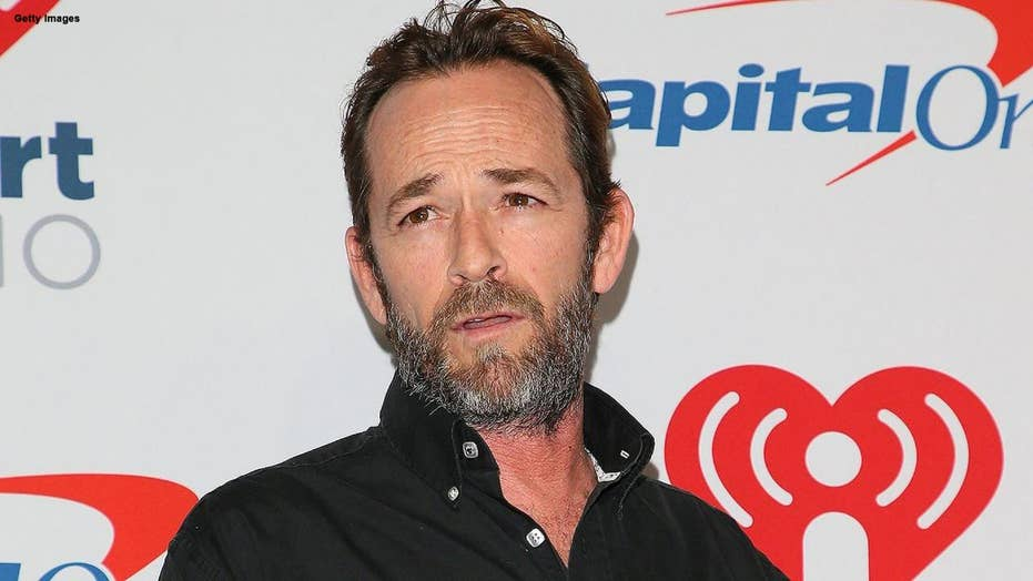 '90210' star Luke Perry under hospital observation after reportedly suffering massive stroke