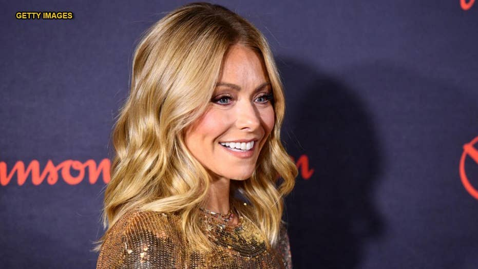 Kelly Ripa Shares Candid Pics Of Favorite Daughter Lola -3103