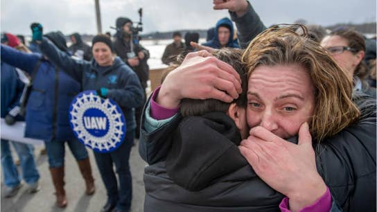 Workers rally outside shuddered Lordstown GM plant in emotional last day on job