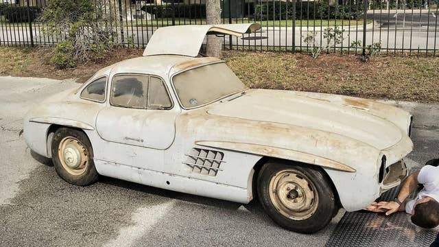 Moldy Mercedes-Benz stored for six decades