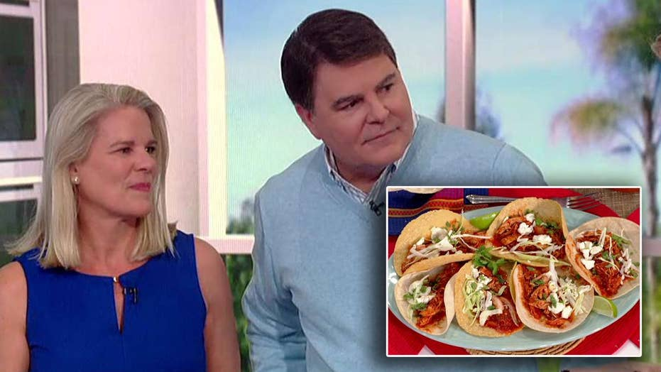 Cooking with 'Friends': The Jarretts' spicy chicken tacos