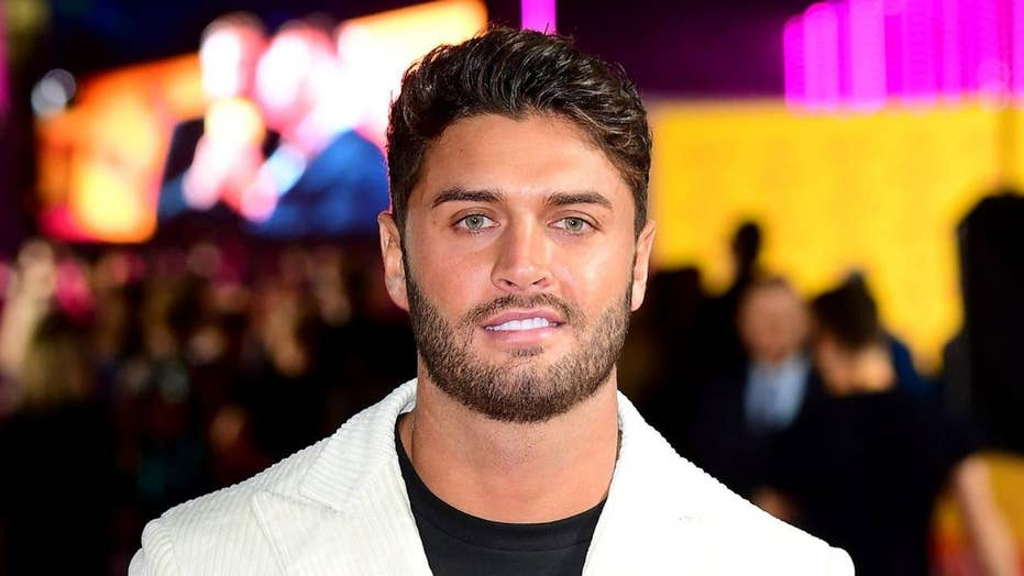 'Love Island' star Mike Thalassitis dead at 26