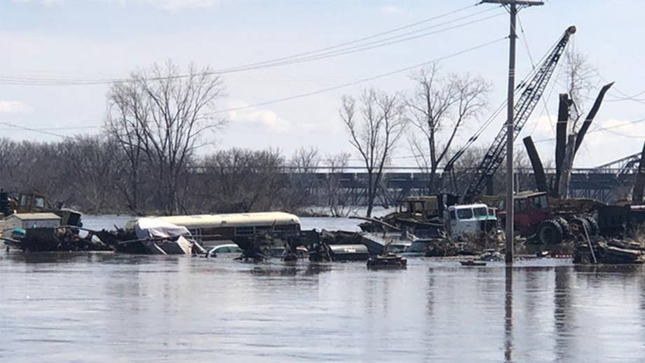 5309380c797 Max Lucado  As record floods devastate the Midwest