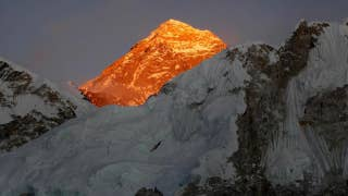 Everest is covered in garbage and dead bodies: report