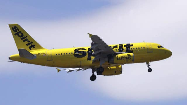 Mom furious after Spirit Airlines booted her teen daughter from flight without her knowledge