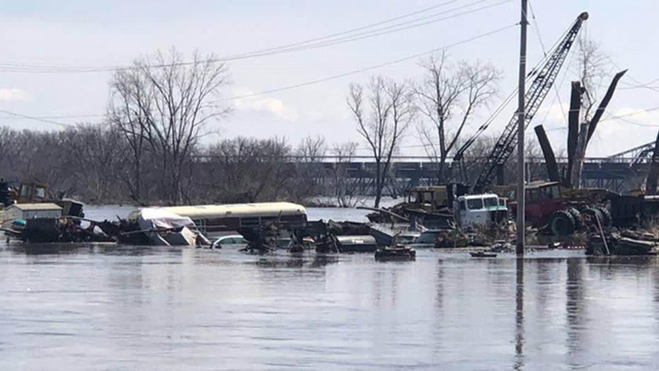 Flood damages piling up for Midwest residents