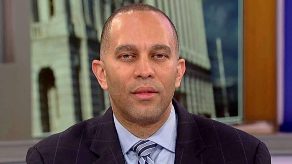 Rep. Jeffries: The overwhelming majority of House Democrats believe impeachment discussions are premature.