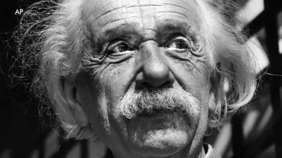 Shocking Einstein letters on 'Hitler-insanity', up for auction