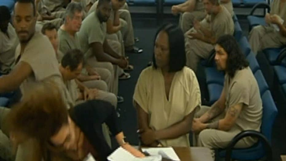 Inmate punches public defender in head during bond court
