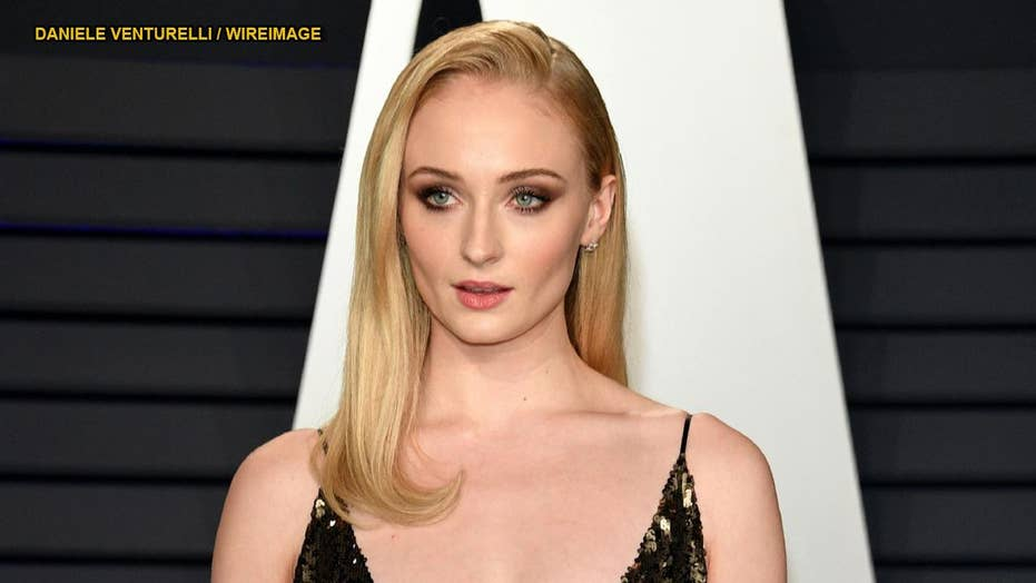 'Game of Thrones' star Sophie Turner says she's 'experimented' with sexuality