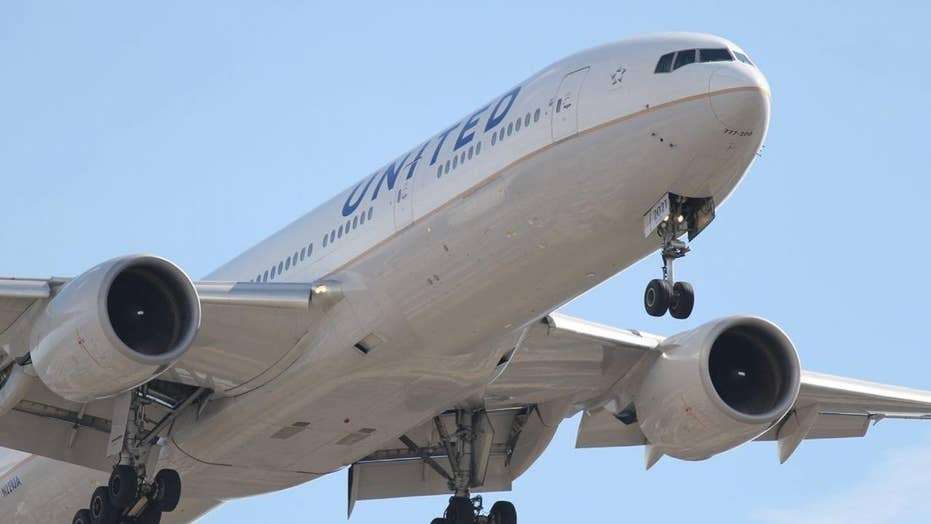 United Airlines flight diverts due to 'strong odor' in cabin; 7 passengers taken to hospitals