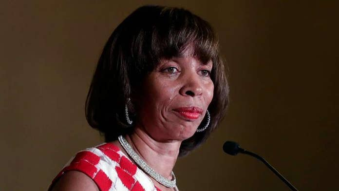 Baltimore Mayor Catherine Pugh, on leave amid book probe, has homes and City Hall office raided by feds