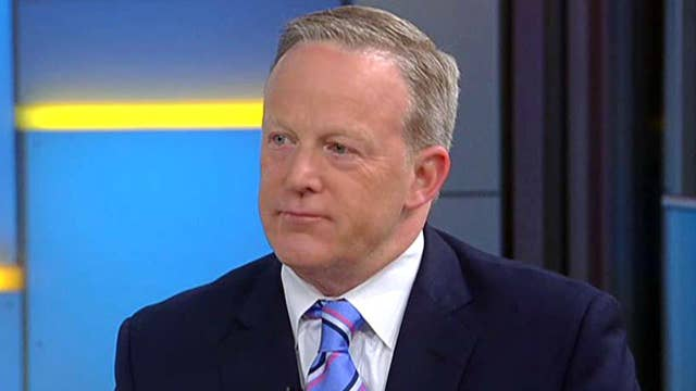 Sean Spicer explains strategy behind President Trump's shift to health care in 2020