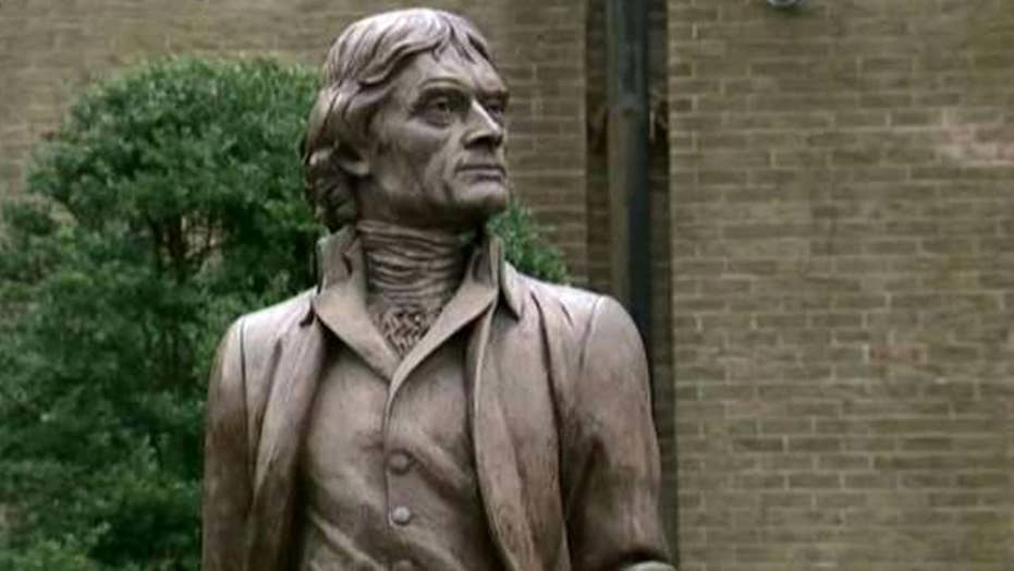 University student defends Thomas Jefferson statue's place on campus
