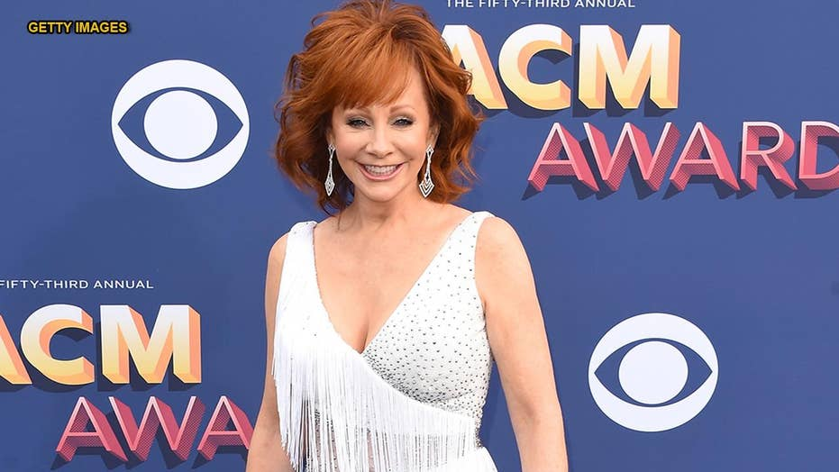Reba McEntire on steering transparent of politics during a 2019 ACM Awards