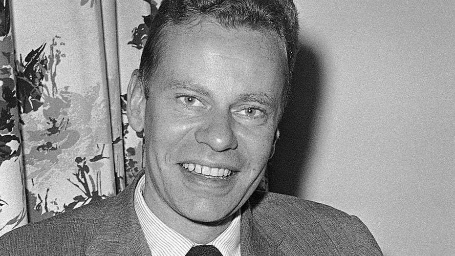 Charles Van Doren, figure in game show scandals, dead at 93