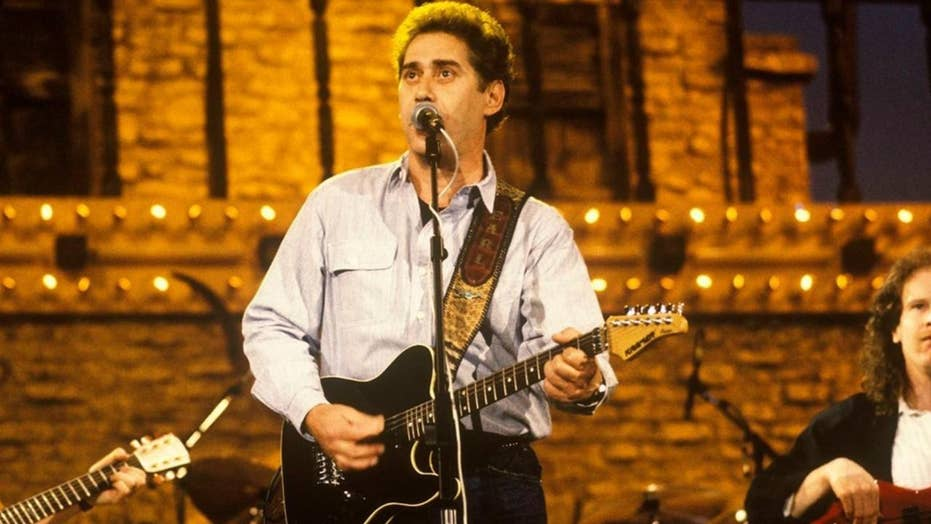 Country music singer Earl Thomas Conley dead at 77