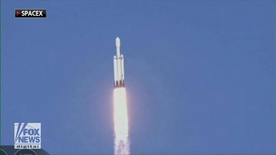 SpaceX successfully launched its new Falcon Heavy rocket