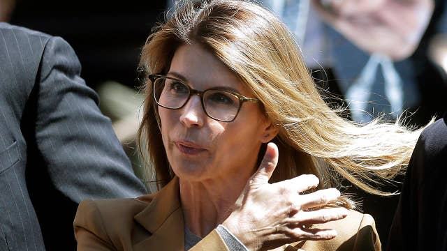 Lori Loughlin pleads not guilty in college admissions scam thumbnail