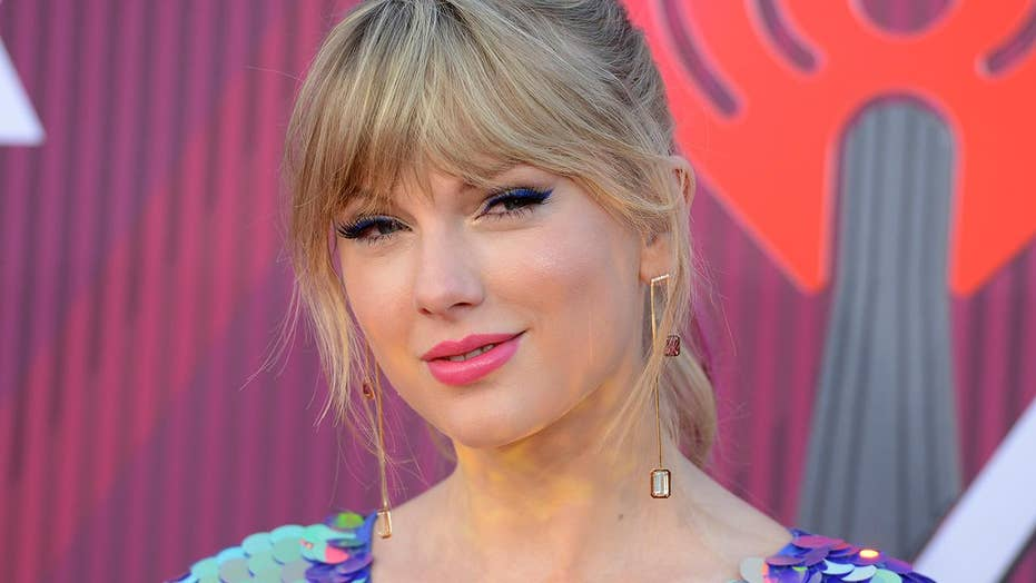 Taylor Swift teases; 'Game of Thrones' rates