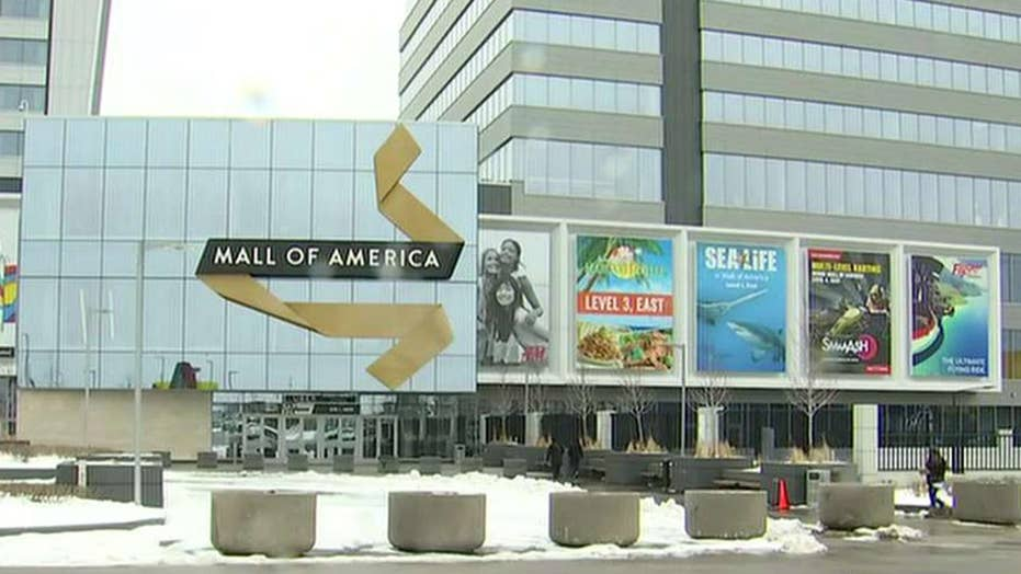 Prosecutors say suspect who threw child off balcony went to Mall of America 'looking for someone to kill'